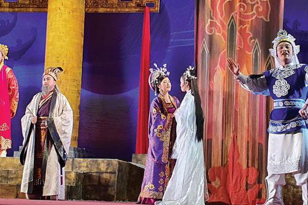 Đề tài lịch sử trên sân khấu truyền thống: Áp lực làm mới những câu chuyện cũ