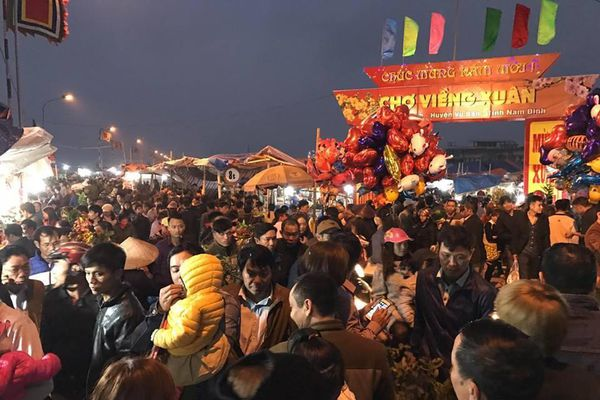 Nam Định: Dừng tổ chức chợ Viềng 'mua may bán rủi'