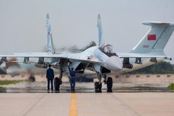 Tại sao Trung Quốc bất ngờ từ chối đề nghị của Nga về tiêm kích Su-35?