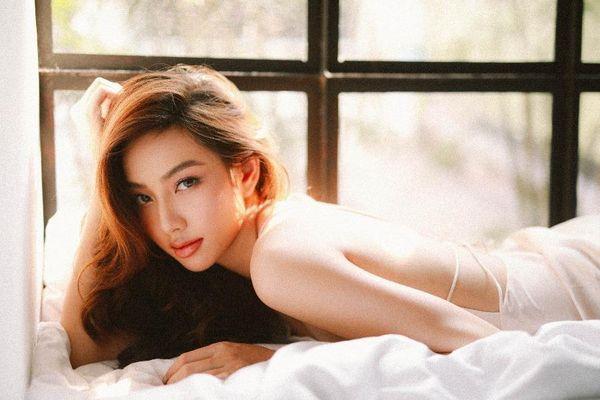 Chiêm ngưỡng nhan sắc của Thùy Tiên trong MV mới của Mr.T