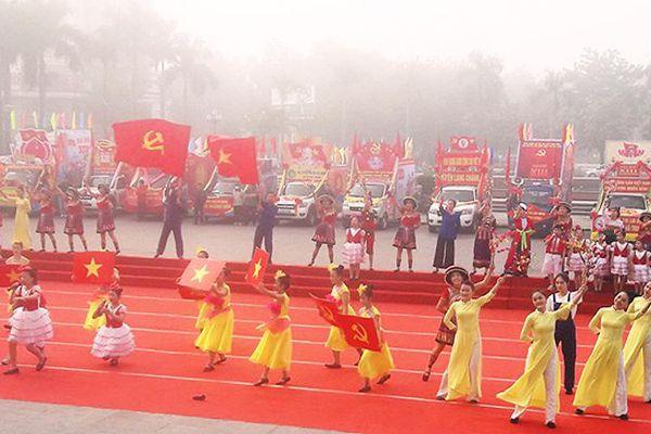 Thanh Hóa tuyên truyền chào mừng đại hội Đảng
