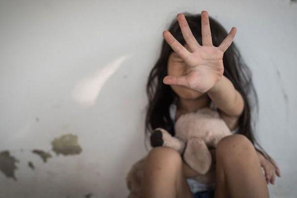 Mạng xã hội Trung Quốc 'bùng nổ' làn sóng phẫn nộ với bản án của kẻ hãm hiếp bé 5 tuổi