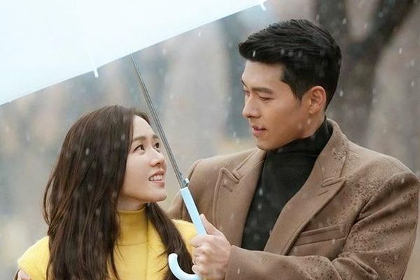 Ngôn tình đời thật, Hyun Bin cảm ơn Son Ye Jin: 'Nhờ em, anh mới có thể tỏa sáng'