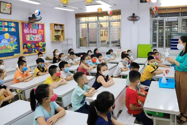 Ngành Giáo dục Hà Nội thi đua thực hiện thắng lợi các nghị quyết của Đảng