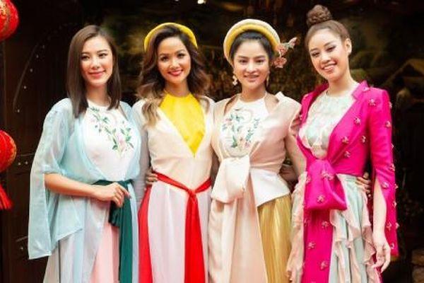 Hoa hậu H'Hen Niê rủ Khánh Vân du Xuân đầu năm, diện áo tứ thân cực lộng lẫy
