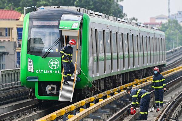 Nhà ga Cát Linh - Hà Đông không đảm bảo khoảng cách an toàn phòng cháy