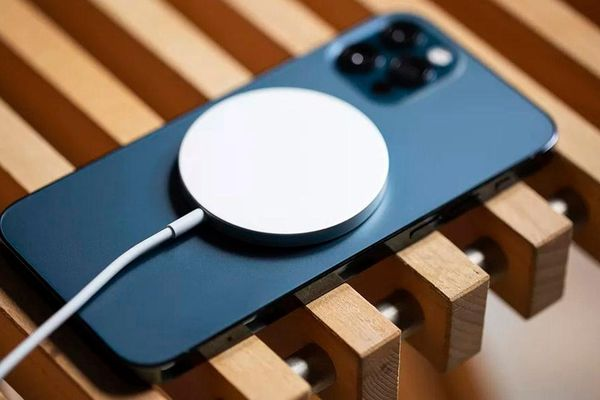 iPhone 12 có thể gây nguy hiểm cho người đeo máy trợ tim