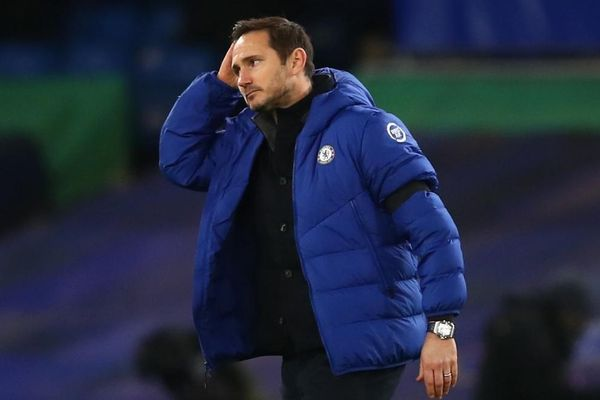 Chelsea sa thải HLV trưởng Frank Lampard