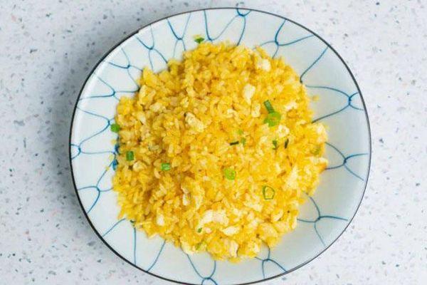 Thêm một cách rang cơm với trứng ngon nức nở, cả nhà 'vét sạch' không còn một hạt