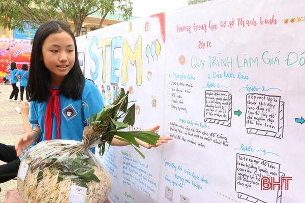 Học sinh TP Hà Tĩnh thích thú trải nghiệm 'Ngày hội STEM'