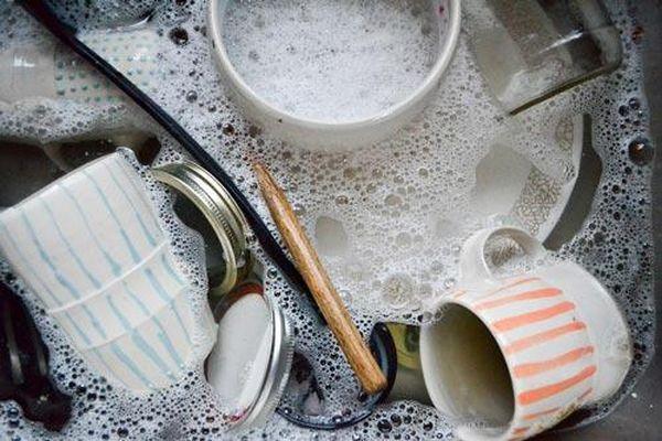 Những sai lầm khi rửa bát đũa có thể gây bệnh