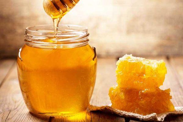Những lợi ích không ngờ của việc uống mật ong vào mỗi tối trước khi ngủ