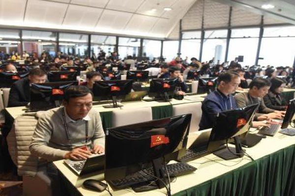 Trung tâm báo chí sôi động trong ngày đầu diễn ra Đại hội XIII của Đảng