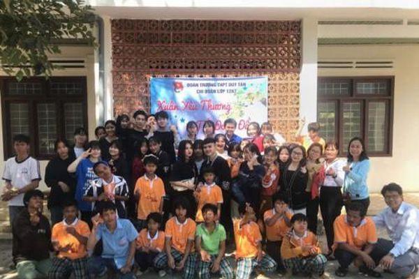 Kon Tum: Đoàn Trường THPT Duy Tân tổ chức chương trình Xuân yêu thương – Tết đong đầy