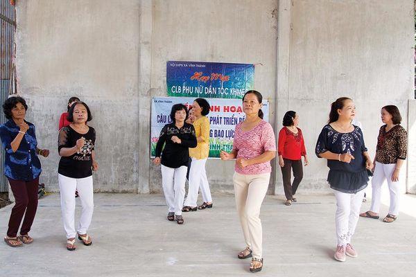 Xã Vĩnh Thành: Họp mặt Câu lạc bộ phụ nữ dân tộc thiểu số Khmer dịp Tết cổ truyền