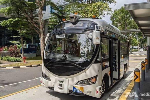 Xe buýt tự lái thương mại đầu tiên lăn bánh tại Singapore