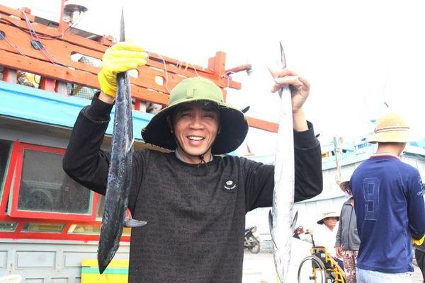 Nụ cười sau chuyến biển cuối năm của ngư dân miền Trung