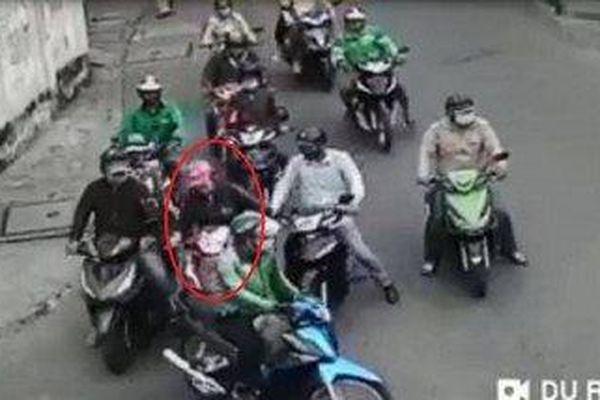 Xác định được nhóm đối tượng dàn cảnh móc túi trên đường