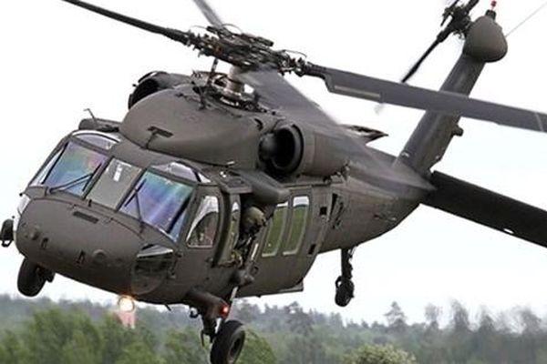 UH-60 của Vệ binh Quốc gia Mỹ lao xuống đất bốc cháy
