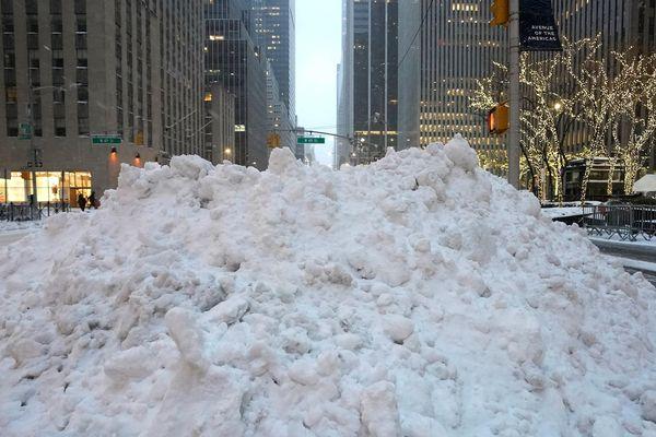 Mỹ: Lốc xoáy và bão tuyết phá hủy nhiều ngôi nhà, gây thương vong
