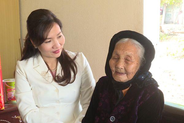 Lãnh đạo tỉnh thăm, tặng quà Tết tại huyện Đầm Hà