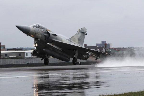 Việt Nam 'không mua được' tiêm kích Mirage-2000: Trong cái rủi có cái may