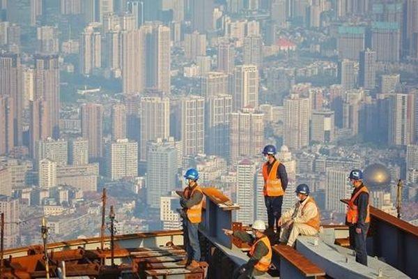 Thị trường bất động sản Trung Quốc được ví như 'bong bóng căng phồng'