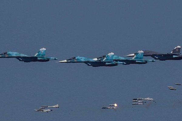 Clip:Ra đòn hiểm, chiến cơ Nga hủy diệt 'ổ' IS ẩn nấp ở sa mạc Syria