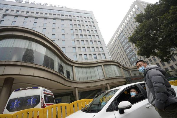 Chuyên gia WHO rời khu cách ly ở Vũ Hán để điều tra nguồn gốc virus