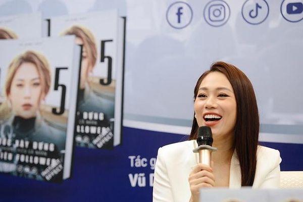 Cuốn sách của cô gái 30 tuổi bán hết chỉ sau một ngày phát hành