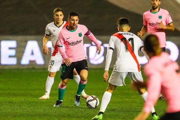 Messi bừng sáng, Barca ngược dòng vào tứ kết Cúp Nhà vua