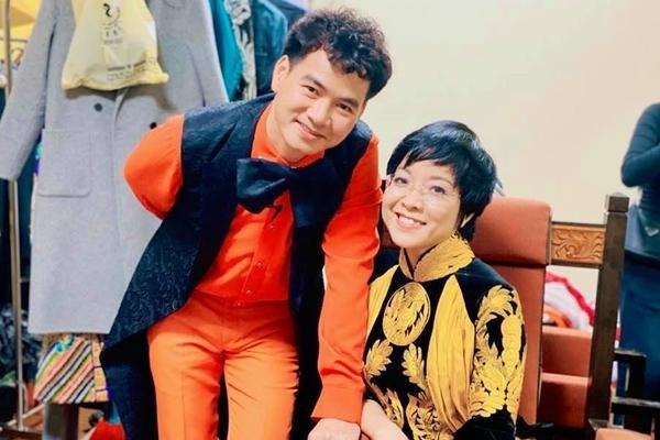 MC Thảo Vân đăng ảnh hậu trường đêm quay Táo Quân đầu tiên