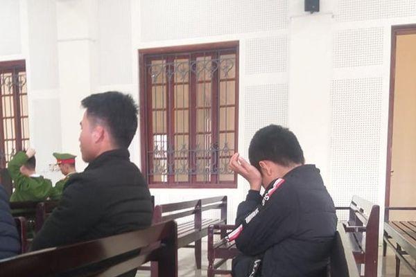Nghẹn lòng ước mơ cậu bé có bố bán nhà bỏ đi, mẹ 'vào tù ra tội'