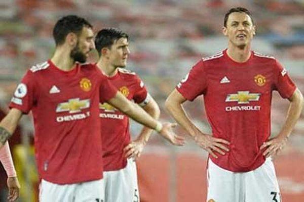 Phòng thay đồ M.U nặng nề sau trận thua Sheffield United