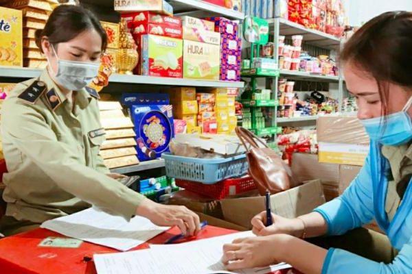 Tịch thu 350 bao thuốc lá nhập lậu tại Bình Thuận