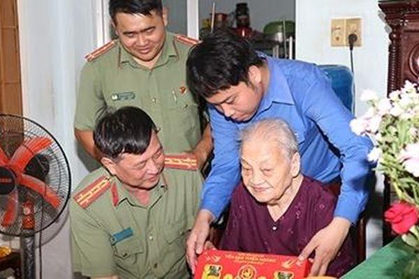 Tuổi trẻ Công an tỉnh Đồng Nai khởi động hành trình nhân ái năm 2021