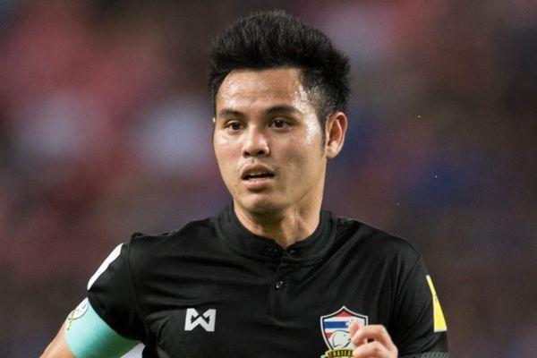 Sao Thái Lan vào đội hình hay nhất châu Á 10 năm qua