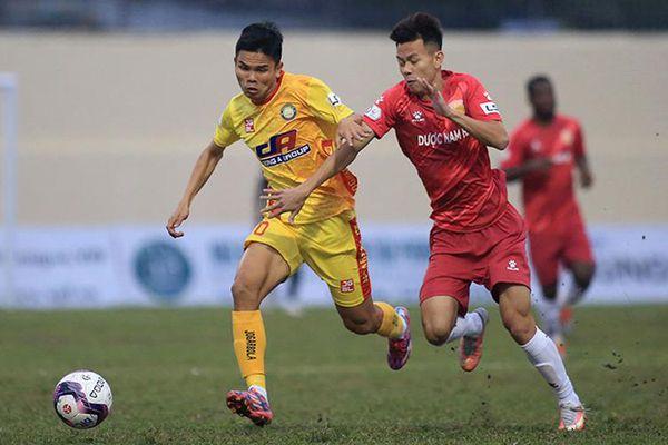 Sài Gòn FC và Đông Á Thanh Hóa đều thắng trên sân nhà