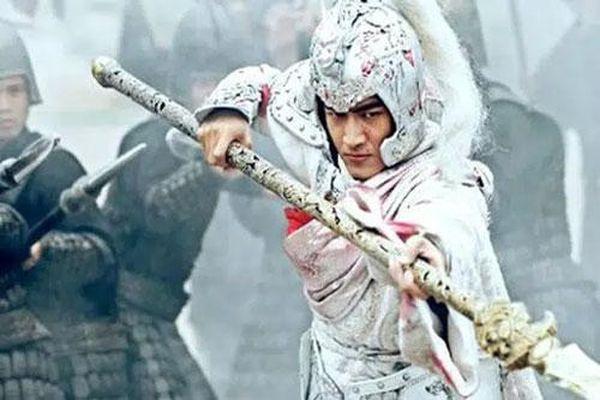 Không phải Quan Vũ hay Triệu Vân, đây mới là nhân vật sở hữu vũ khí 'hủy diệt' khủng khiếp nhất trong Tam Quốc Diễn Nghĩa