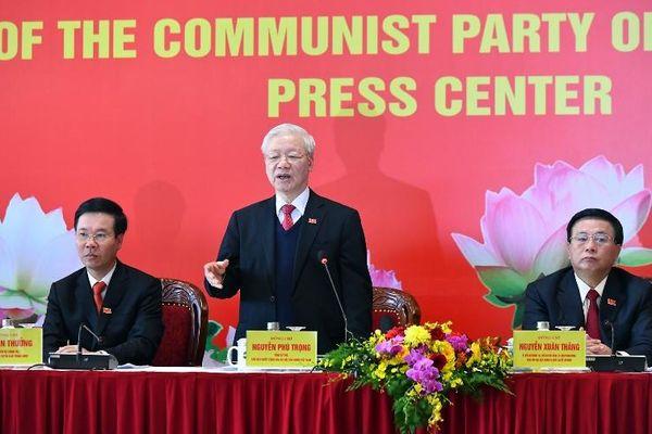Tổng Bí thư, Chủ tịch nước Nguyễn Phú Trọng dự họp báo sau Đại hội