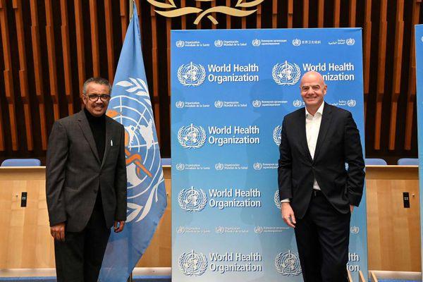 WHO cùng FIFA thúc đẩy tiếp cận công bằng với vắcxin phòng COVID-19
