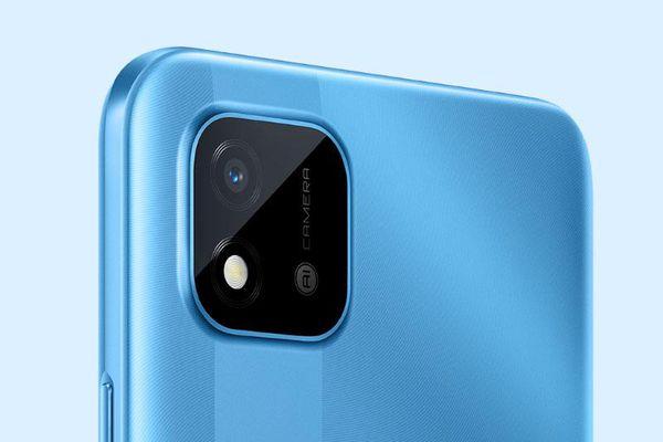 Smartphone pin 5.000 mAh, chống nước, giá gần 3 triệu tại Việt Nam