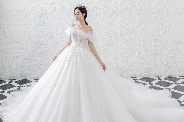 Ren Bridal Studio trình làng hàng loạt váy cưới có 1-0-2 trong BTS Luxury Limited 2021