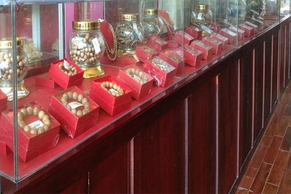 Công nhận cửa hàng trầm hương đạt tiêu chuẩn phục vụ khách du lịch