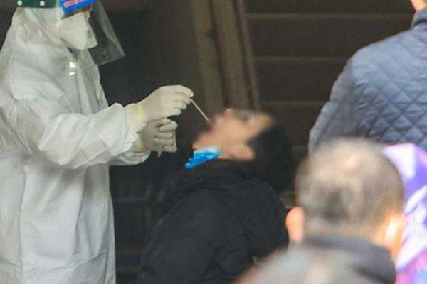 NÓNG: 37 công nhân ở Hải Dương lần 1 âm tính SARS-CoV-2, xét nghiệm lần 2 dương tính