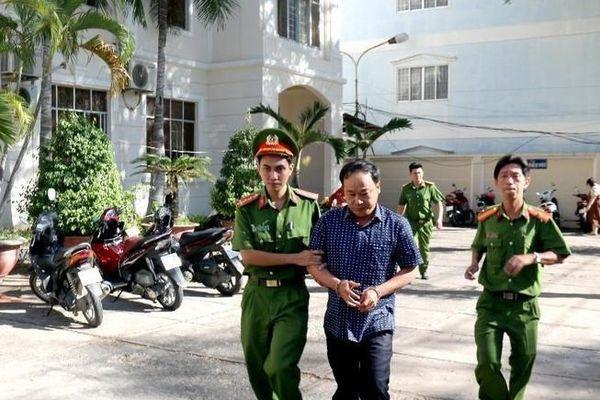 Phó Chi cục Thuế TP Phan Thiết và 4 đồng phạm bị khởi tố