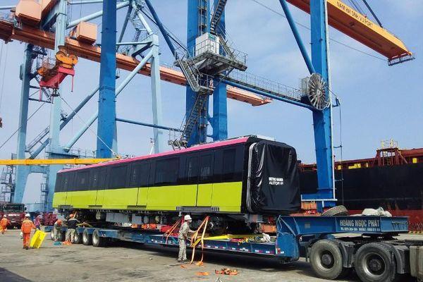 Đoàn tàu thứ hai tuyến metro Nhổn- Ga Hà Nội cập cảng Hải Phòng