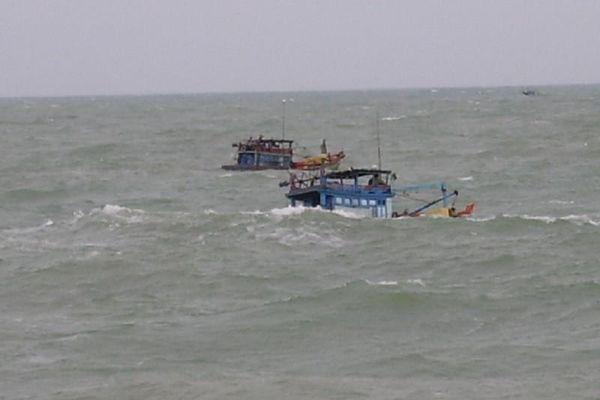 Cà Mau khởi tố chủ tàu chở 38 người vượt biên về quê ăn tết