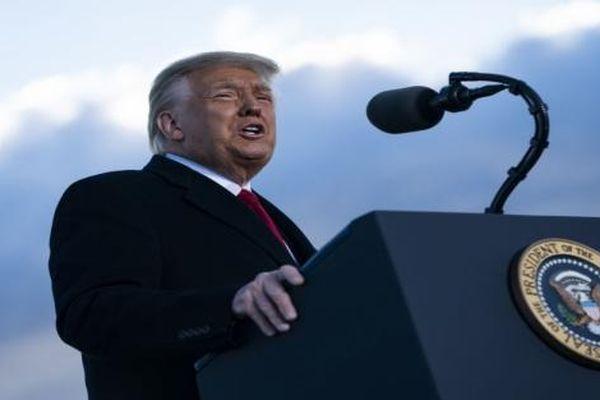 Thăm dò cho thấy Trump sẽ thu hút lượng cử tri khổng lồ nếu thành lập đảng mới