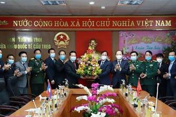 Đưa quan hệ Bôlykhămxay - Hà Tĩnh thành điển hình về hợp tác hữu nghị Việt Nam - Lào